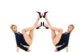 Picture Charlize Theron, Ass, Charlize Theron, Sitting, The blonde, With his feet