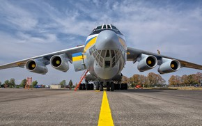 Picture The plane, Ladder, Ukraine, Military transport, Il-76MD, Chassis, Ukrainian air force