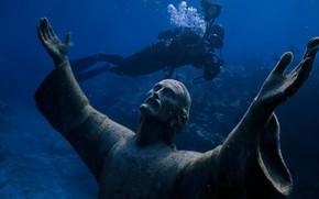 Picture underwater, history, Jesus, stone statues