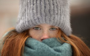 Picture hat, scarf, girl, freckles, red