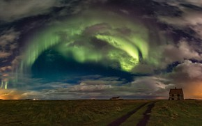 Picture field, house, Northern lights