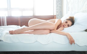 Picture girl, bed, Disha Shemetova, Maxim Alexandrovich