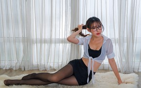Picture look, glasses, legs, Asian