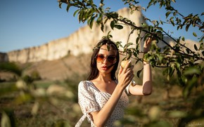 Picture look, girl, the sun, branches, glasses, Vitaly Skitaev