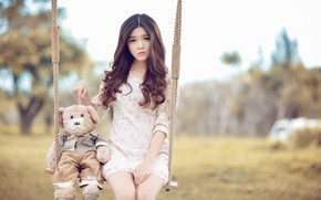 Picture swing, bear, Asian, Lilly Luta
