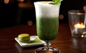 Picture glass, cocktail, mint, macaron