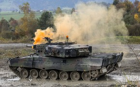 Picture tank, exercises, Leopard 2A4, Leopard 2A4, smokescreen