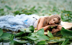 Picture look, water, girl, face, pose, river, blonde, beautiful, water lilies