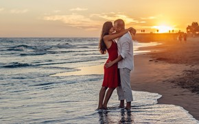 Picture sea, girl, sunset, passion, kiss, hugs, pair, male, lovers
