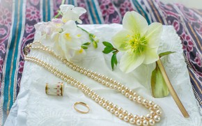 Picture flowers, pearl, beads