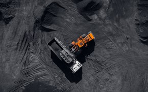 Picture dust, heavy machinery, coal, mining