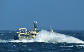 Picture sea, storm, fishing, seiner
