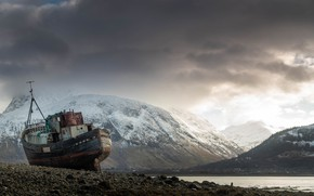 Picture snow, mountains, ship, pond, the ship