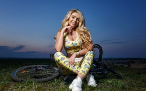 Picture the sky, grass, look, bike, pose, model, portrait, the evening, makeup, Mike, hairstyle, blonde, sitting, …