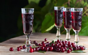 Picture cherry, glasses, infusion