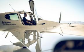 Picture transport, man, pilot, the plane, Lufthansa European Flight School