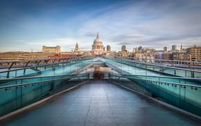 Picture the city, London, Millennium Bridge