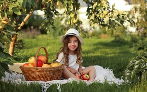 Picture smile, apples, girl