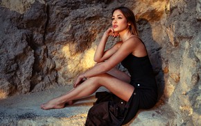 Wallpaper sexy, pose, stones, model, portrait, makeup, figure, dress, hairstyle, brown hair, legs, beauty, sitting, in ...