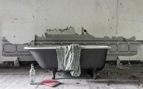 Picture room, bath, Martini