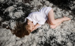 Picture girl, sleep, feathers, shirt, in the woods, Juliana Naidenova