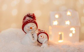 Picture winter, snow, smile, holiday, toys, Christmas, New year, snowmen, house, snowman, a couple, figures, beanie, …