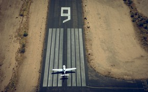 Picture strip, the plane, the airfield, nine, Lufthansa European Flight School