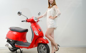 Picture look, Girls, Asian, beautiful girl, scooter, posing on scooter, Vespa LT125ie
