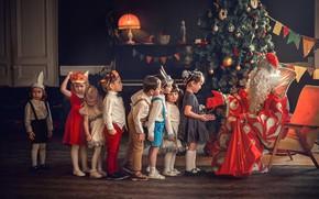 Picture children, holiday, girls, new year, gifts, tree, Santa Claus, mask, garland, boys, turn, kindergarten, Marianne …