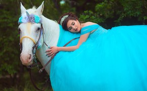 Picture white, summer, look, face, girl, flowers, face, pose, Park, mood, horse, blue, romance, foliage, horse, ...