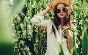 Picture leaves, the sun, pose, model, portrait, hat, glasses, hairstyle, shirt, brown hair, is, in white, …