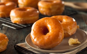 Picture donuts, cakes, glaze