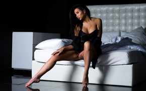 Picture girl, pose, feet, bed, neckline, Andrew Stern