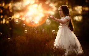 Picture light, nature, bubbles, girl