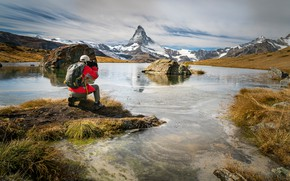 Picture mountains, shore, the situation, photographer, male, shooting, Iceland, pond, tourist