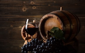 Picture glass, blue, the dark background, background, wall, wine, Board, glass, grapes, alcohol, wooden, drink, still …