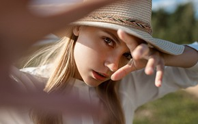 Picture look, face, hat, hands, Kseniya Kokoreva, Yuri Lyamin