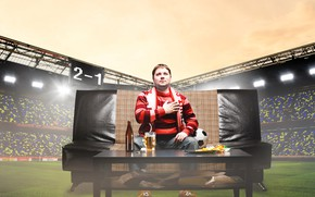 Picture glass, table, background, sofa, football, sport, the game, the ball, photoshop, bottle, beer, male, plaid, …