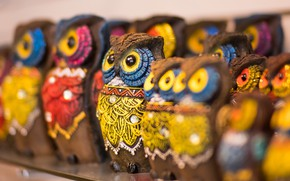 Picture background, owls, figurines