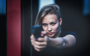 Picture look, girl, gun, blonde, sight