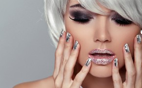 Picture hands, manicure, background, blonde, eyelashes, face, beauty, hairstyle, makeup, bokeh, lips, close-up, Shine