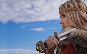 Picture Girl, Fur, Sword, Tatiana Finko