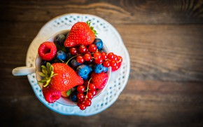 Picture berries, table, Cup, bokeh