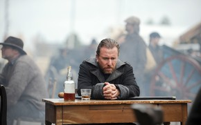 Picture Tim Roth, whiskey, Death, Tim Roth, Sea wolf, Death Larsen, sitting at the table