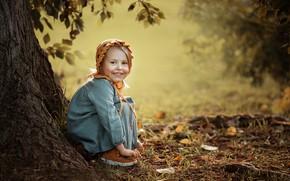 Picture joy, nature, tree, laughter, dress, girl, trunk, child, cap, Svetlana Shelemeteva