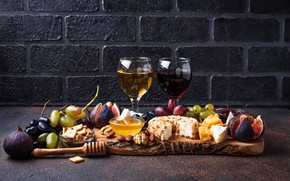 Picture wine, cheese, grapes, figs