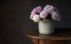 Picture flowers, table, pot