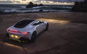 Picture Sea, The evening, Aston Martin Vantage