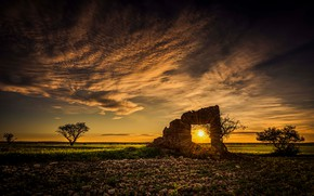 Picture field, the sky, the sun, clouds, sunset, construction, ruins, building