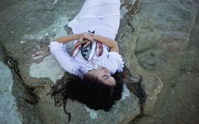 Picture girl, fish, shore